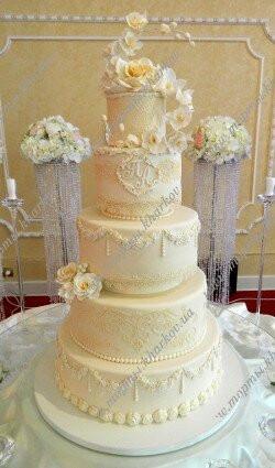 Авторский свадебный торт с розами и орхидеями