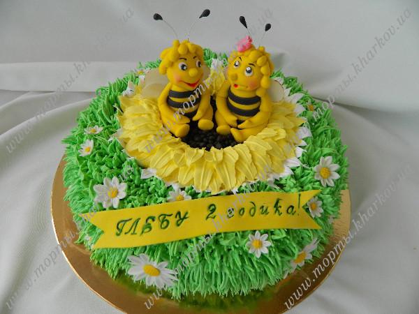 Детский торт с пчелками.