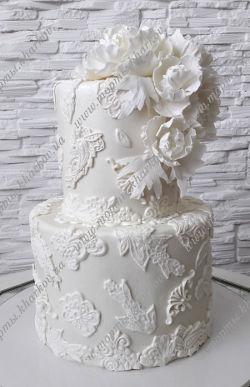 Кружевной торт. Свадебный торт с сахарными цветами.