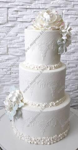 Свадебный ажурный торт с сахарными цветами