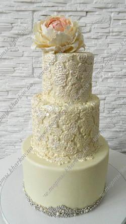 Свадебный ажурный торт с сахарным пионом