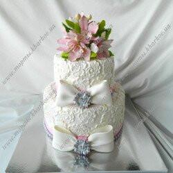 Свадебный кружевной торт с орхидеями