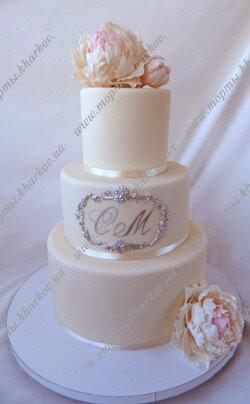 Свадебный стильный торт с сахарными пионами