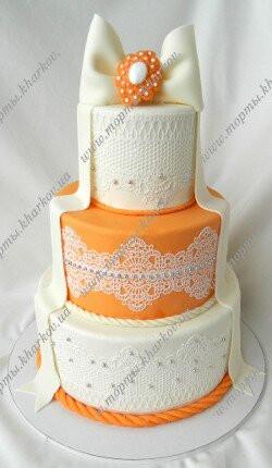 Свадебный торт в бело-оранжевой цветовой гамме