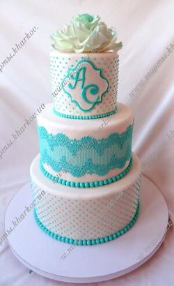 Свадебный торт в мятном цвете с сахарной розой