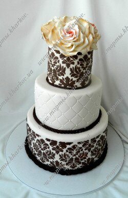 Свадебный торт -Дамаск с сахарными розами