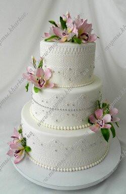 Свадебный торт с сахарными орхидеями