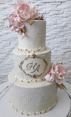 Свадебный торт с сахарными пионами