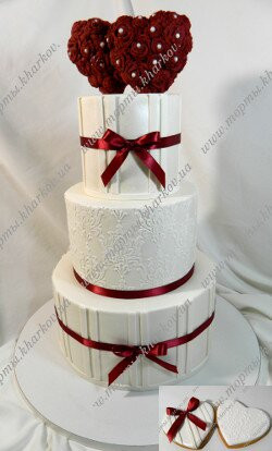 Стильный торт с сердцами