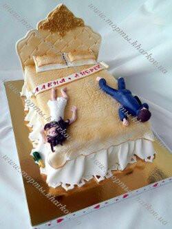 Торт Кровать свадебный торт с приколом