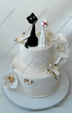 Торт свадебный с влюбленными котиками
