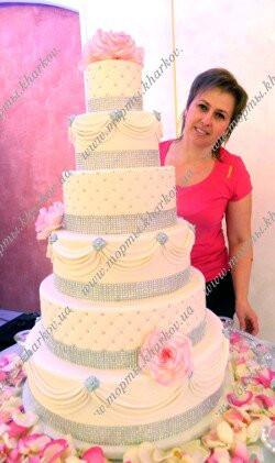 Торт свадебный с сахарными розовыми розами