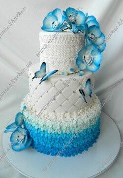 Торт свадебный с синими орхидеями