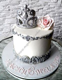 Торт с короной для девочки на 6 месяцев