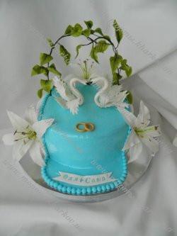 Торт с лебедями