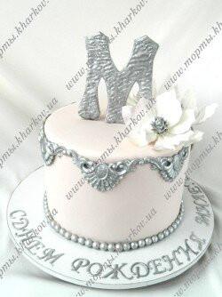 Торт с фантазийными цветами