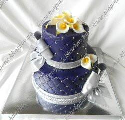 Торт фиолетовый с каллами бантами