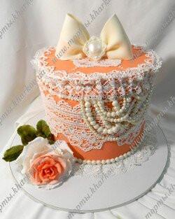 Торт шкатулка в коралловом цвете с розой